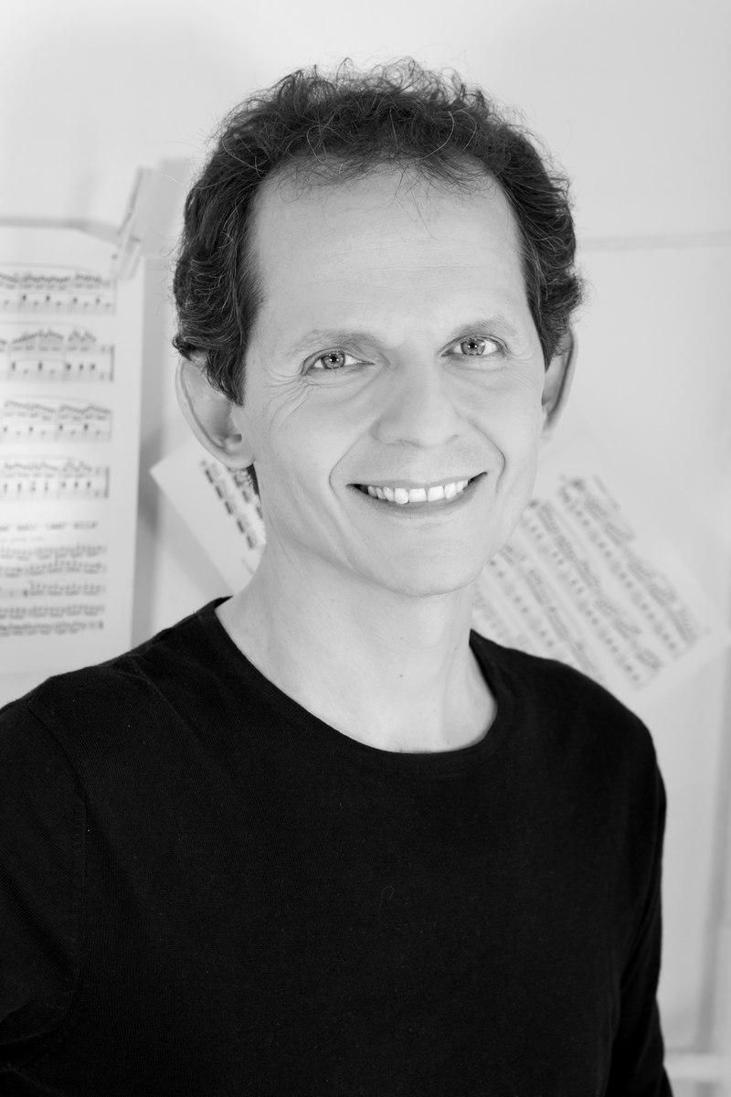 Paul Staicu - UNE VIE DE PIANISTE - Franck Harscoüet